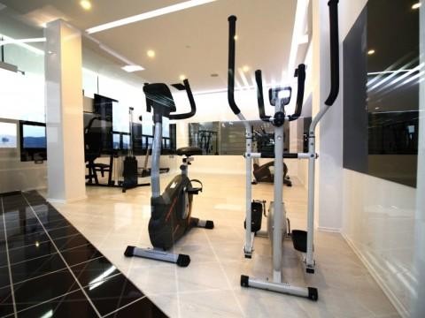 Hotel International Prishtina ofron lokale me qira