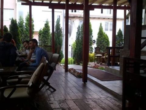 Jap me qira objktin/lokali 100m2+80m2 teras / Prishtine