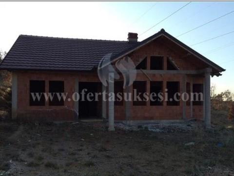 Shes shtepin me 3 ari oborr / Prishtine