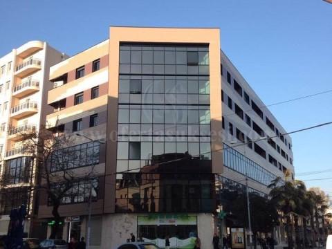 Shes banesen-apartamentin 152m2 kati i -V- / Durres-Shqiperi