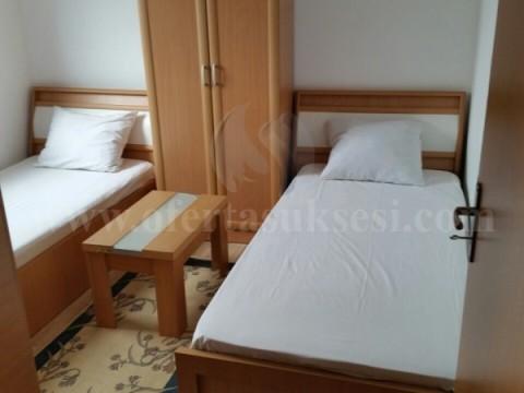 Jap  me qira dhoma ne kuader te shtepis / Prishtine