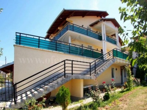 Jap me qira katin e shtepis / Prishtine