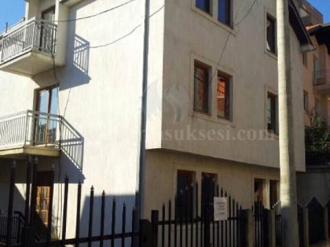 Jap me qira katin e shtepis 80m2  kati i -III- / Prishtine
