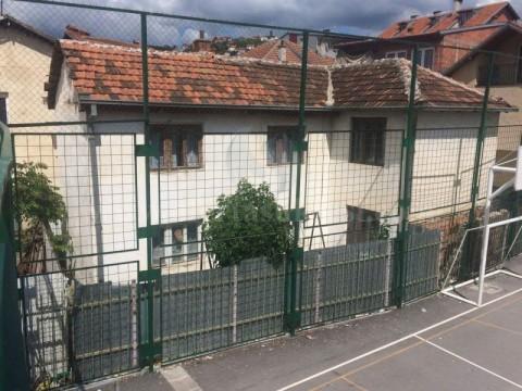 Shes shtepin 157m2 dy kateshe / Prishtine