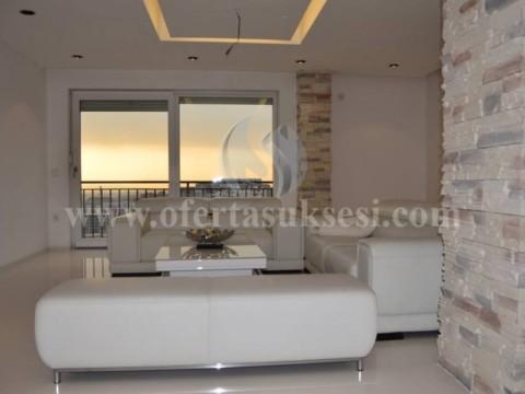 Shes banesen (penthaus) 296m2 kati i -IX- / Prishtine