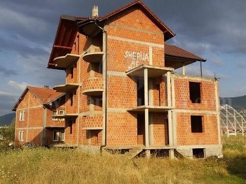 Shes shtepin afersisht 400-500m2 5katshe me 10 ari truall /Prizren