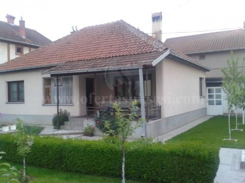 Jap me qira shtepin nje kateshe afersisht 95m2 / Prishtine