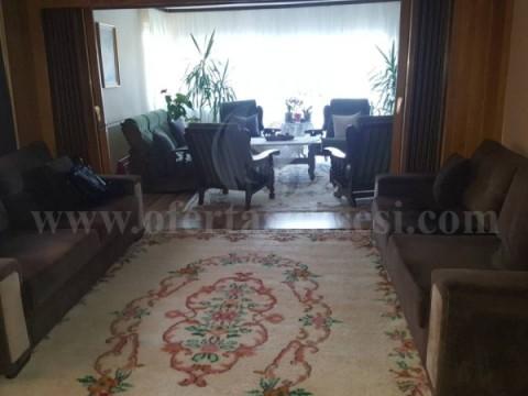 Shes shtepin 3-kateshe 300m2 me 3 ari oborr / Prishtine