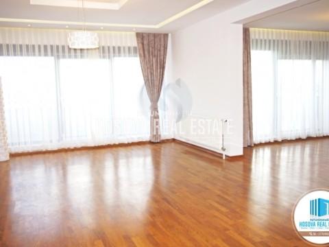 Jap me qira banesen(penthouse) 165m2 + 70m2 ballkon kati i -VIII- / Prishtine
