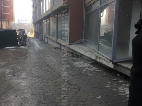 Shes dy lokale me nga 50m2 kati perdhes / Prizren