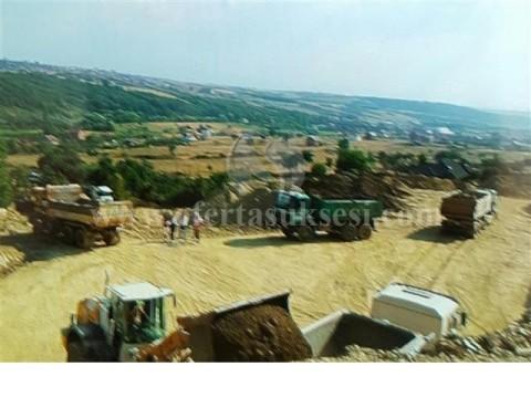 Shes 1 hektar toke ne Bernice te Eperme 7 kilometra larg qenders se Prishtines