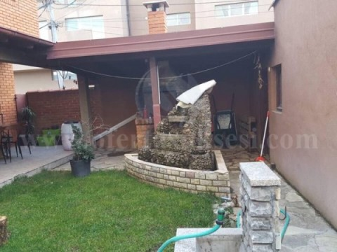 Jap me qira shtepin rreth 250m2  dy katshe / Fushe Kosove