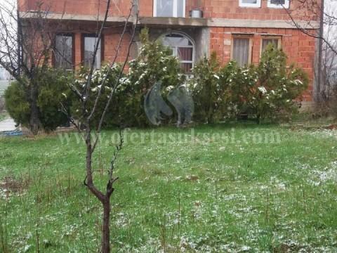 Shes shtepin afersisht 180m2 dy katshe me 10 ari truall Prishtine