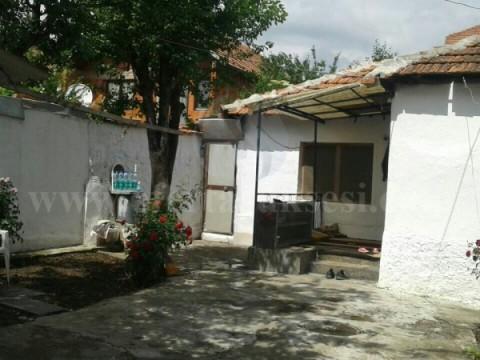 Jap me qira shtepin nje katshe 65m2 / Prishtine