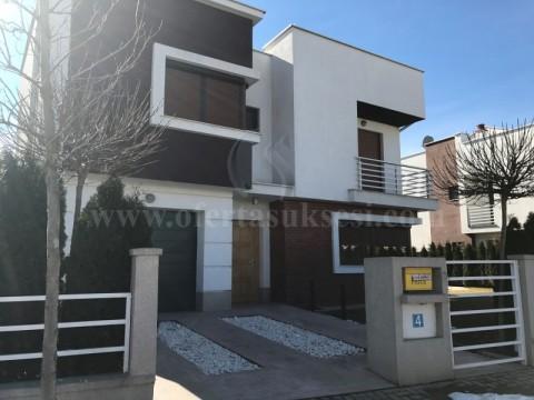 Shes shtepin 210m2 me 2 ari oborr / Prishtine
