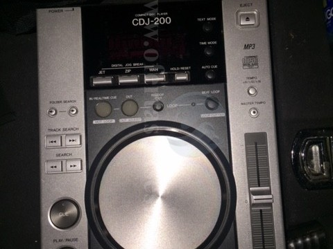 Shes 2 CD Player CDJ200