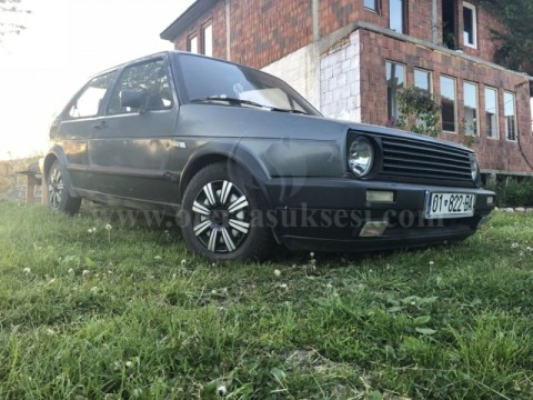 Shes VW Golf 2,