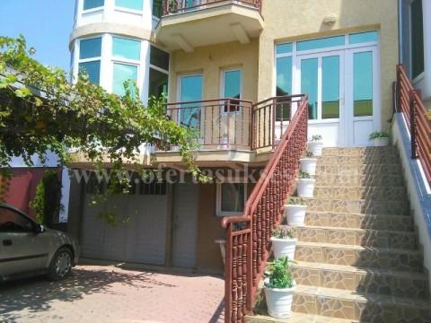Jap me qira shtepin 3katshe 240m2 / Prishtine