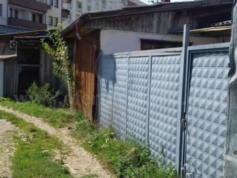 Shes shtepin nje katshe 43m2 me 1.5 ari truall / Prishtine