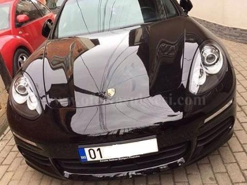 Shes Porsche Panamera