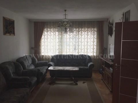 Jap me qira katin e -I- te shtepis 85m2 / Prishtine