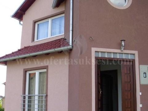 Shes shtepin 270m2 dy katshe me 12 ari truall / Prishtine