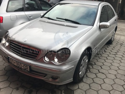 Shes Mercedes Benz C220,