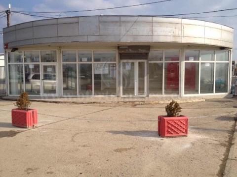 Jap me qira lokalin 100m2 + parking 80m2 kati perdhese / Fushe Kosove