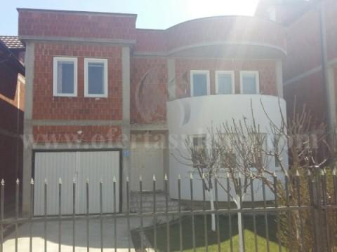 Shes shtepin 180m2 dy katshe me 2.5 ari truall / Prishtine