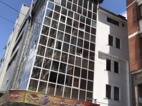 Jap me qira lokalin/objektin 277m2 / Prishtine