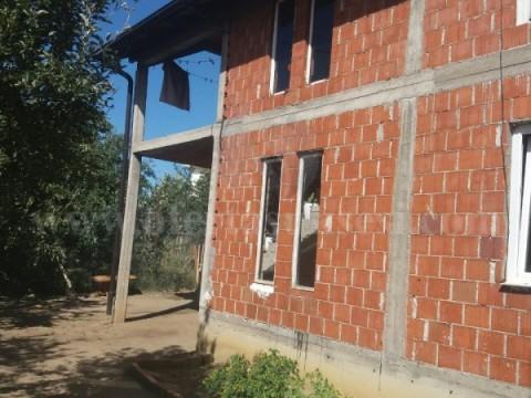 Shes shtepin 130m2 dy katshe me 2.5 ari truall / Prishtine