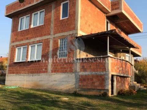 Shes shtepin 170m2 dy katshe me 11 ari truall / Prishtine