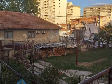 Shes shtepin dy katshe 190m2 me 3 ari truall / Prishtine