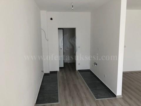 Shes banesen 90m2+50m2 ballkoni kati i -I- / Prishtine