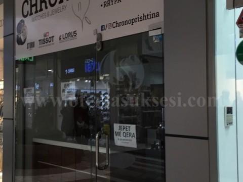 Jap me qira lokalin 26m2 + 18m2 gjysem kati / Prishtine