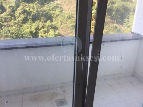 Shes banesen 80m2 kati i -IV- / Prishtine