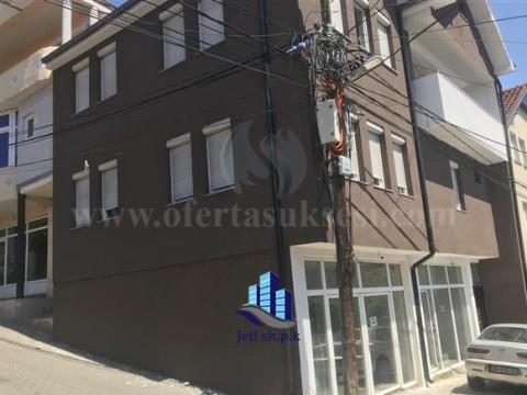 Shes shtepine 3 katshe 240m2 / Prishtine