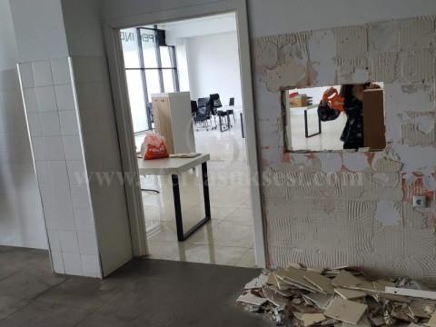 Jap me qira loklain 365m2 kati perdhese / Prishtine
