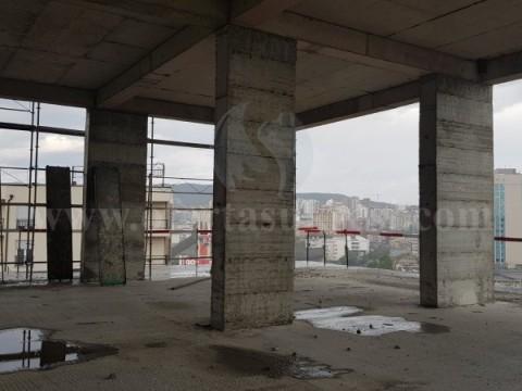 Shes lokalin 370m2 kati i -IV- / Prishtine