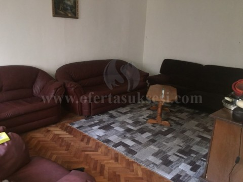 Jap me qira shtepin dy kateshe 110m2 / Prishtine