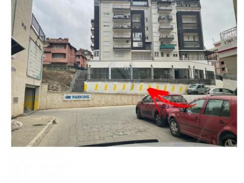 Shes lokalin 200m2 kati perdhese / Prishtine