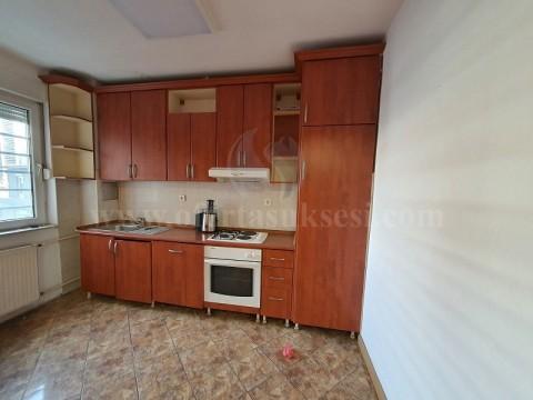 Jap me qira banesen/zyren 85m2 kati i -I- / Prishtine