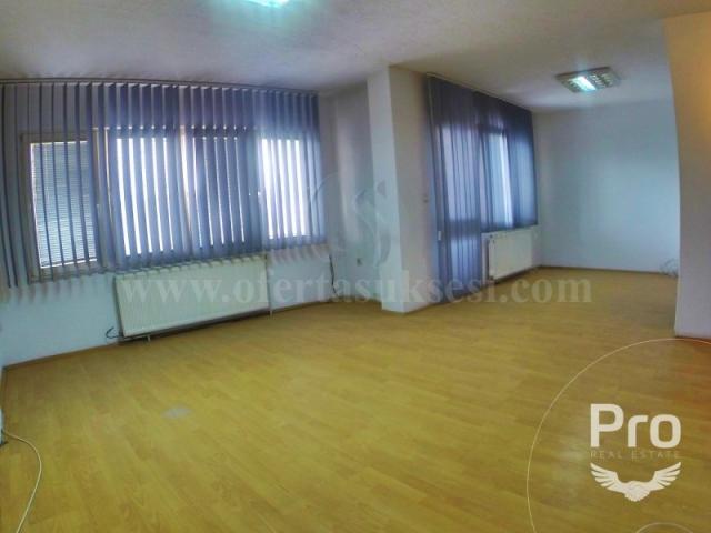 Jap me qira banesen (zyren) 100m2 kati i -I- / Prishtine