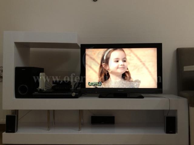 Shes Tv+komod