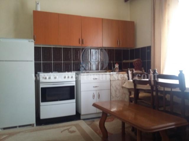 Jap me qira katin e shtepis me hyrje te veqant 90m2 / Prishtine