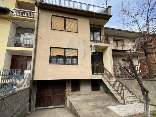 Shes shtepin afersisht 200m2 4katshe me 1.80 ari truall / Prizren