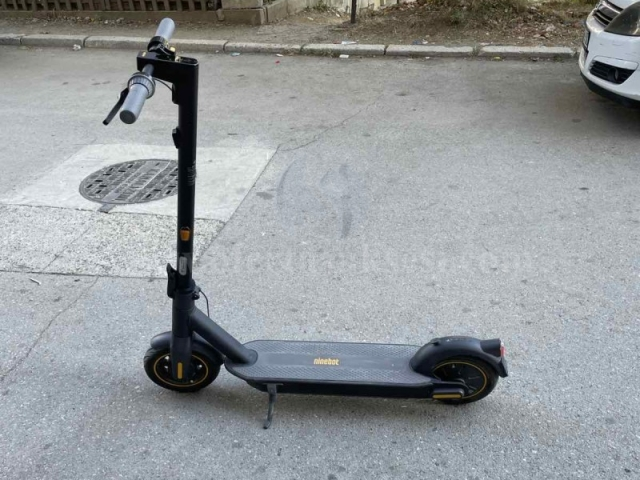 Shes skuter elektrik