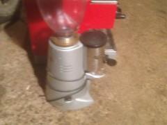 Shes aparatin e caffes dhe mullirin