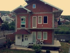 Shes shtepin 125m2 me 3 ari oborr  / Prishtine