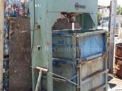 Shes Makine-Prese per shtypjen e materialeve recikluese